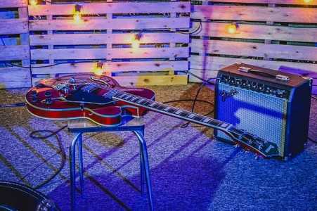 guitar-907649_640